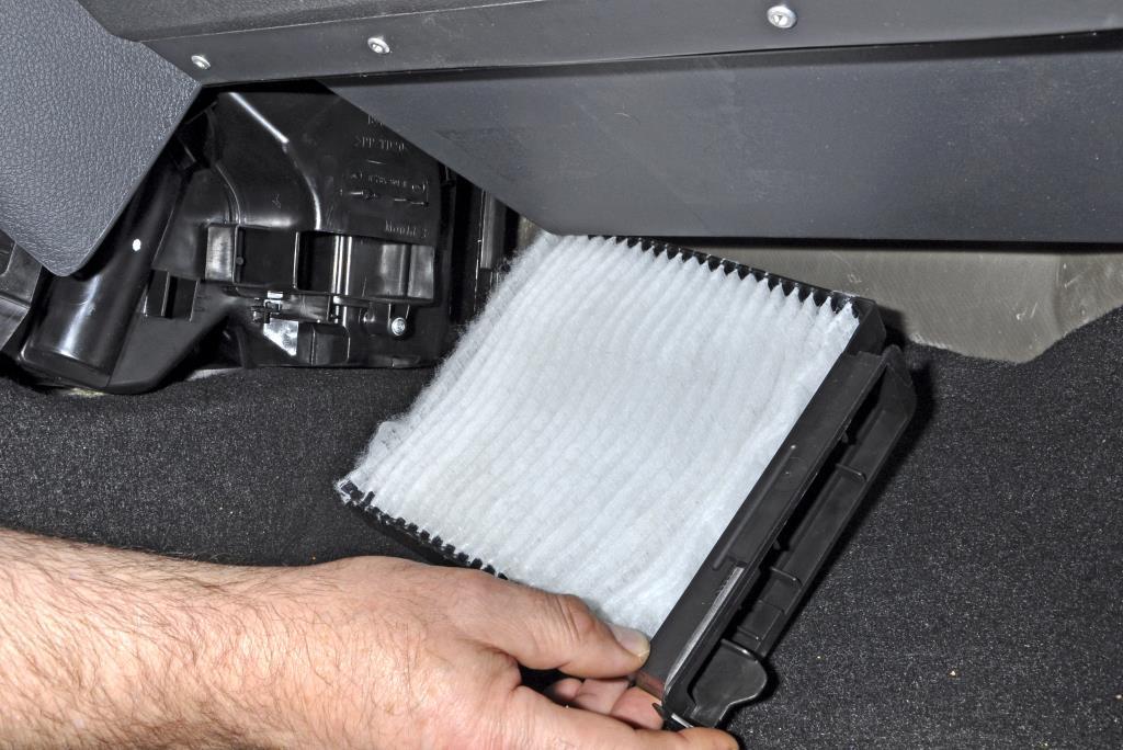замена фильтров рено дастер